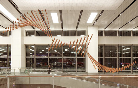 Kinetic Rain – танцующие капли в сингапурском аэропорту — фото 7