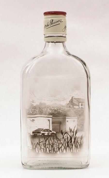 В основном внутрь бутылки помещается загородный пейзаж