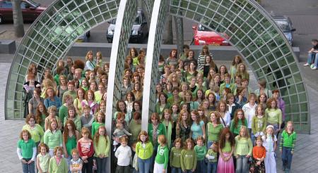 150 рыжеволосых девушек не могли остаться незамеченными