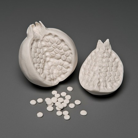 Живой фарфор и смерть в скульптурах Кейт МакДауэлл — фото 23