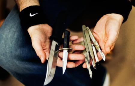 Ничего сверхъестественного — просто ножи, просто руки )