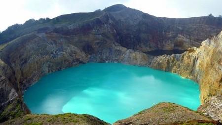 Вулкан Келимуту и 3 разноцветных озера — фото 16