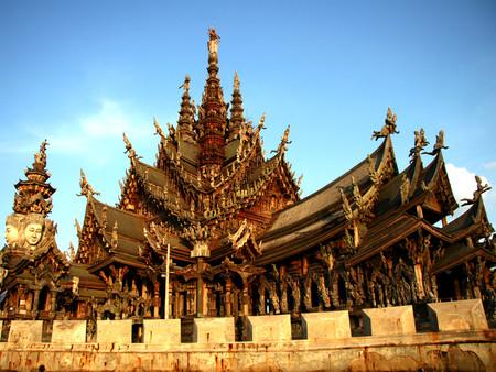 Храм Истины – настоящий деревянный шедевр — фото 2