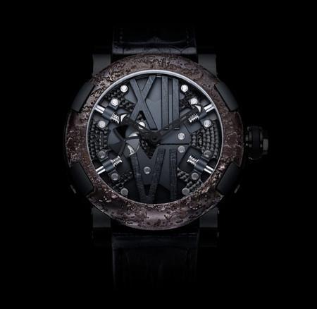 История на запястье – часы от Romain Jerome с ДНК вулкана, Титаника и Луны — фото 4