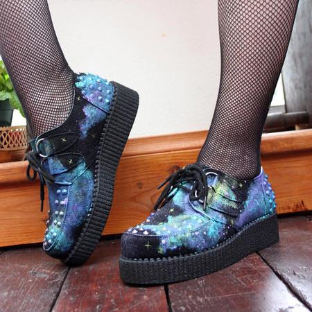 Флатформы, они же криперы, они же криперсы – еще один популярный обувной тренд — фото 49