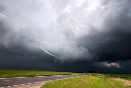 Торнадо, смерч, молнии, грозовые тучи – это красиво! Фотографии Майка Холлингшеда (Mike Hollingshead) — фото 3