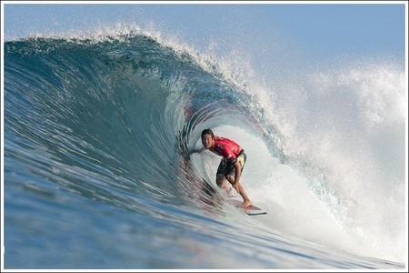 Декабрь – лучшее время для серфинга на Гавайях. Pipeline Masters – состязания серферов — фото 14