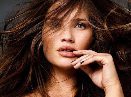 Пышкой быть … красиво!? Женские округлости в модельном бизнесе — фото 24