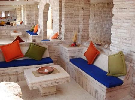 Уюни в Боливии – соляное озеро, соленый отель, фламинго и паровозы — фото 10