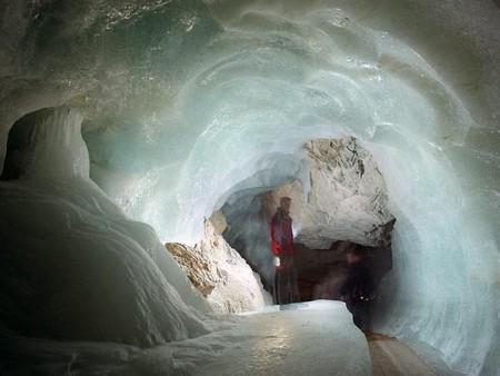 Эйсризенвельт – ледяная пещера в Австрии. Если хочется мороза летом. — фото 2