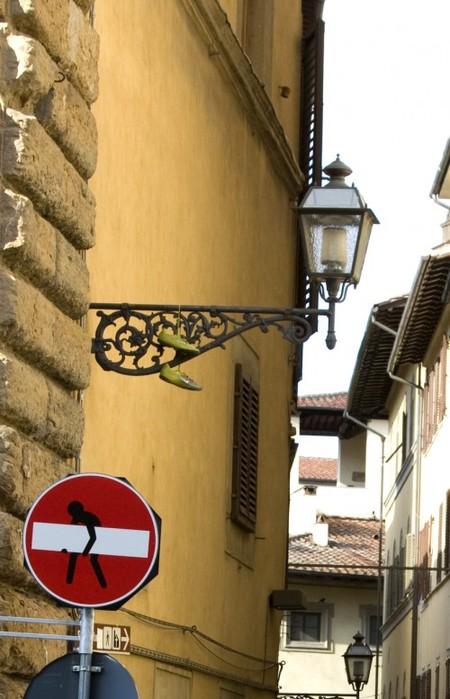 «Улучшенные» дорожные знаки от Клета Авраама — фото 25