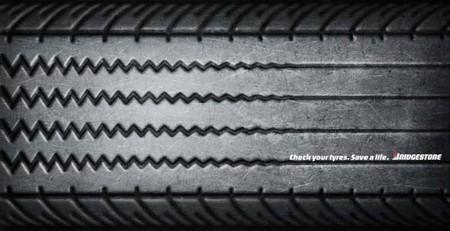 «Проверь свои шины. Сохрани жизнь» — стершийся протектор все равно что прямая линия на экране аппарата жизнеобеспечения.