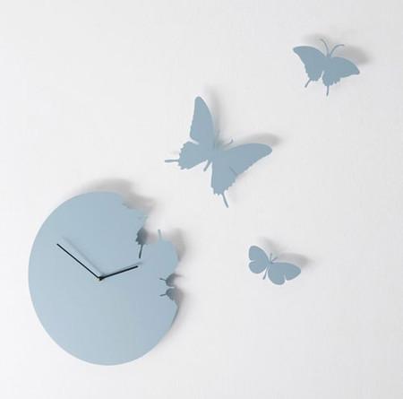 Вот разгадка — и время, и бабочки умеют улетать ...
