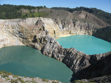 Вулкан Келимуту и 3 разноцветных озера — фото 22