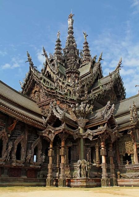Храм Истины – настоящий деревянный шедевр — фото 6