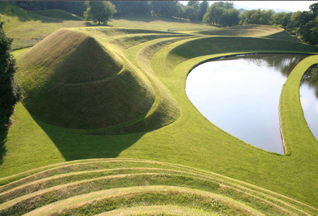 "Холмы ""Улитка и Змея"" в Garden of Cosmic Speculation"