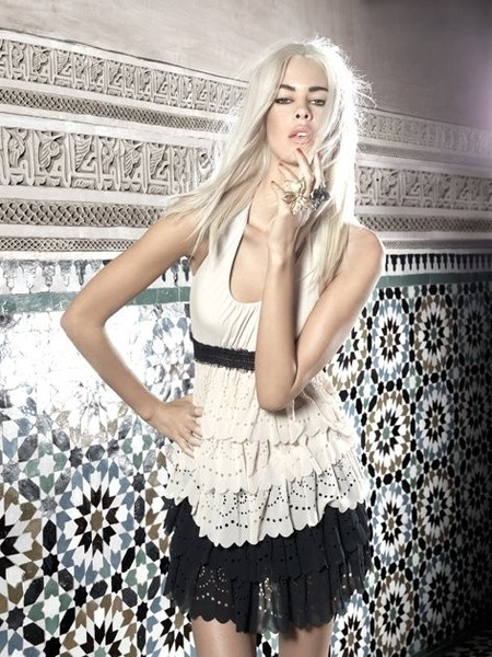 Черный, белый и кружева — женственно и ничего лишнего