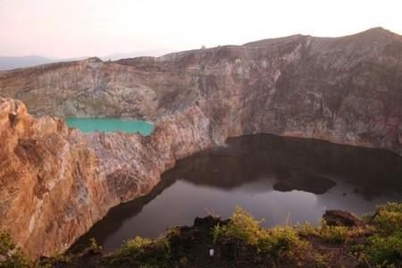 Вулкан Келимуту и 3 разноцветных озера — фото 18