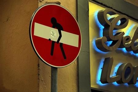 «Улучшенные» дорожные знаки от Клета Авраама — фото 8