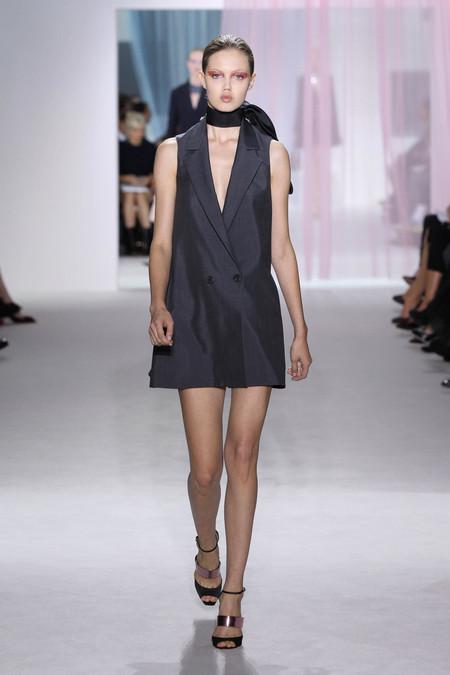Женская коллекция Dior весна-лето 2013 — фото 38