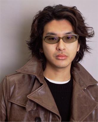Вот он, Мотохико Одани (Motohiko Odani), создатель странной белой сказки