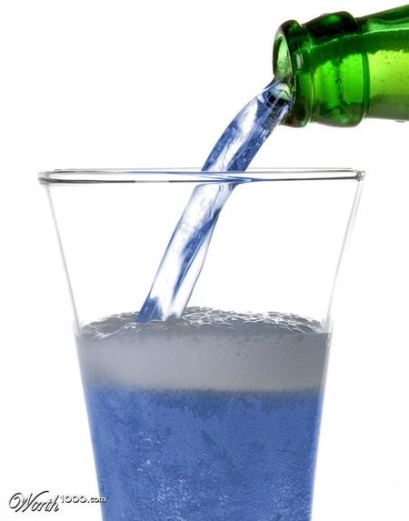 Как вам голубое пиво?