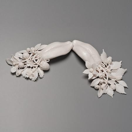 Живой фарфор и смерть в скульптурах Кейт МакДауэлл — фото 33