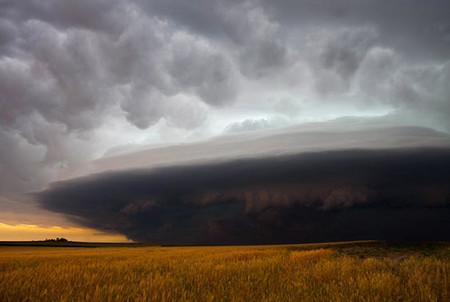 Торнадо, смерч, молнии, грозовые тучи – это красиво! Фотографии Майка Холлингшеда (Mike Hollingshead) — фото 6