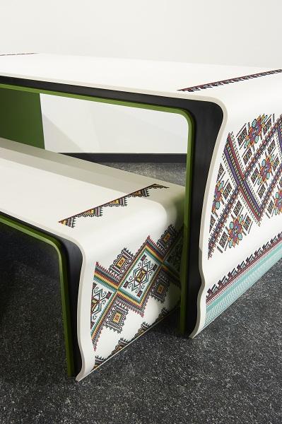 Вышитая мебель — такого древние рукодельницы никак предположить не могли )