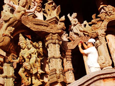 Храм Истины – настоящий деревянный шедевр — фото 8