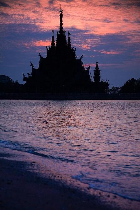 Храм Истины – настоящий деревянный шедевр — фото 26