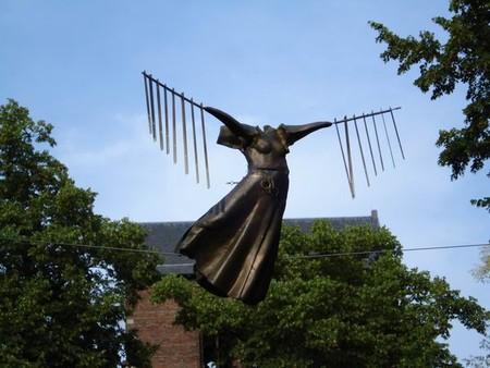 Скульптуры в воздухе от Jerzy Kedziora — фото 10
