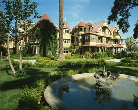 Дом Винчестеров – абсурдный, полный мистики и непригодный для жизни — фото 4