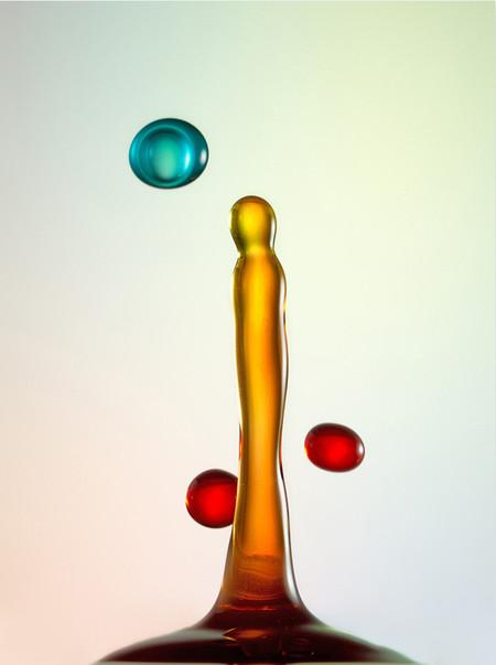 Скульптуры из … воды. Макрофотографии разноцветных капель — фото 40