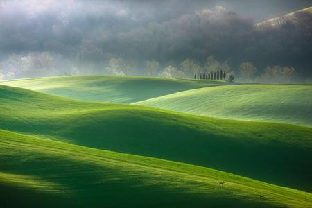 Туманные пейзажи на красивых снимках Богуслава Стремпеля — фото 26