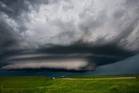 Торнадо, смерч, молнии, грозовые тучи – это красиво! Фотографии Майка Холлингшеда (Mike Hollingshead) — фото 11