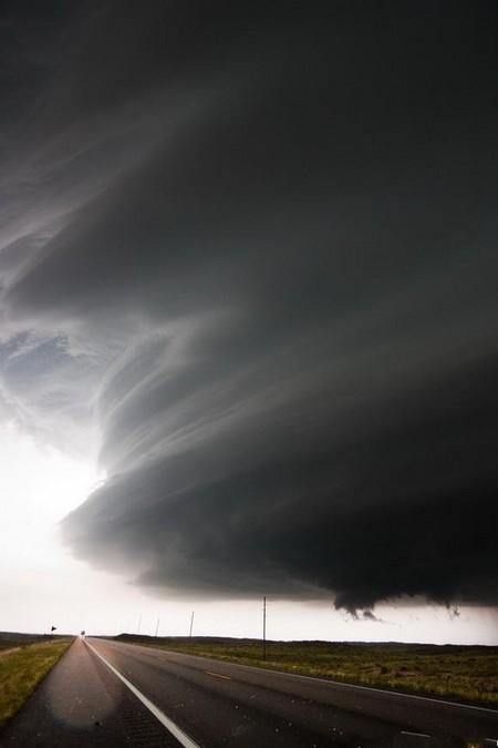 Торнадо, смерч, молнии, грозовые тучи – это красиво! Фотографии Майка Холлингшеда (Mike Hollingshead) — фото 29