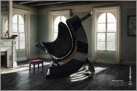 И мебель слушается, с удовольствием ножки приподнимает)