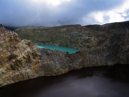Вулкан Келимуту и 3 разноцветных озера — фото 19
