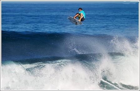 Декабрь – лучшее время для серфинга на Гавайях. Pipeline Masters – состязания серферов — фото 5