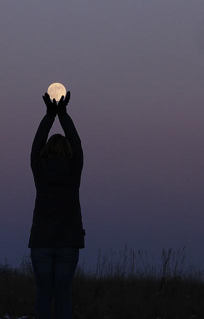 Солнце и Луна — это почти классика, это всегда красиво