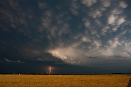 Торнадо, смерч, молнии, грозовые тучи – это красиво! Фотографии Майка Холлингшеда (Mike Hollingshead) — фото 15