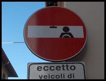 «Улучшенные» дорожные знаки от Клета Авраама — фото 23