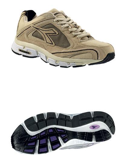 Это специальные беговые кроссовки