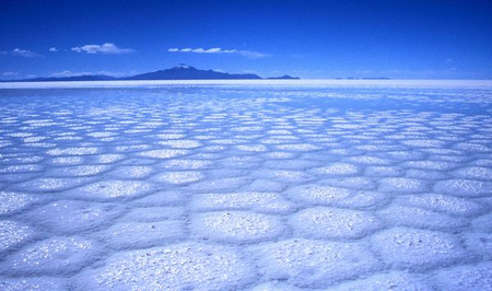 Уюни в Боливии – соляное озеро, соленый отель, фламинго и паровозы — фото 14