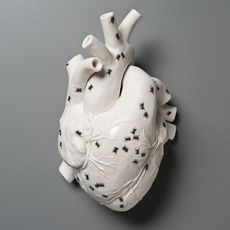 Живой фарфор и смерть в скульптурах Кейт МакДауэлл — фото 3