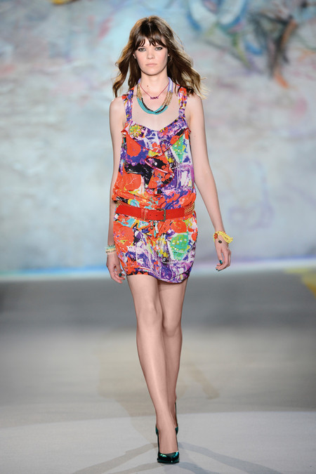 Patrizia Pepe весна-лето 2013 – городская одежда «с перчинкой» — фото 50