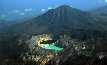 Вулкан Келимуту и 3 разноцветных озера — фото 7