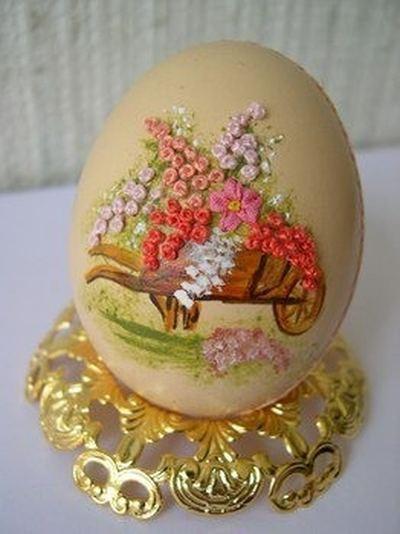 Вышивка по … яичной скорлупе. Ювелирная работа Элизабет Кляйн — фото 15