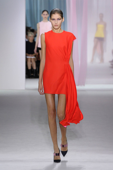 Женская коллекция Dior весна-лето 2013 — фото 32